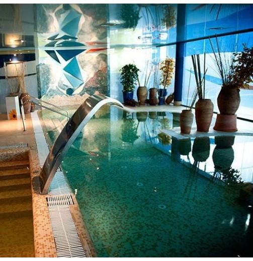 Piscina climatizada Hotel Torresport