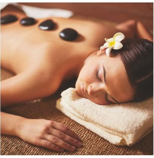 Masaje spa con piedras...